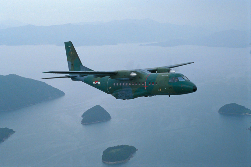 우리공군 CN-235 수송기에 이스라엘제 장비 들어간다.