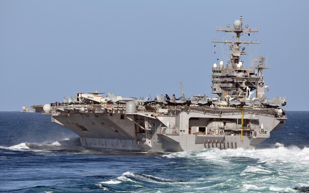 수상함에 집중된 미 해군의 2012년 예산안