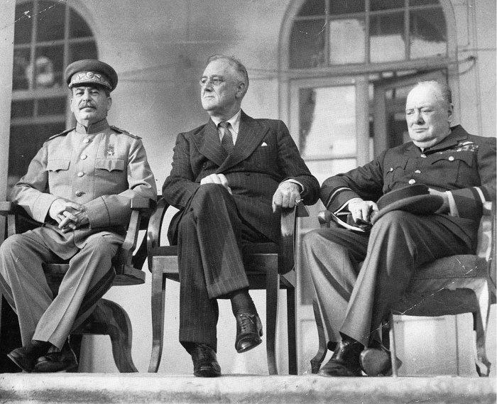 """""""스탈린의 농담에,처칠은 격분,루스벨트는 중재!"""""""