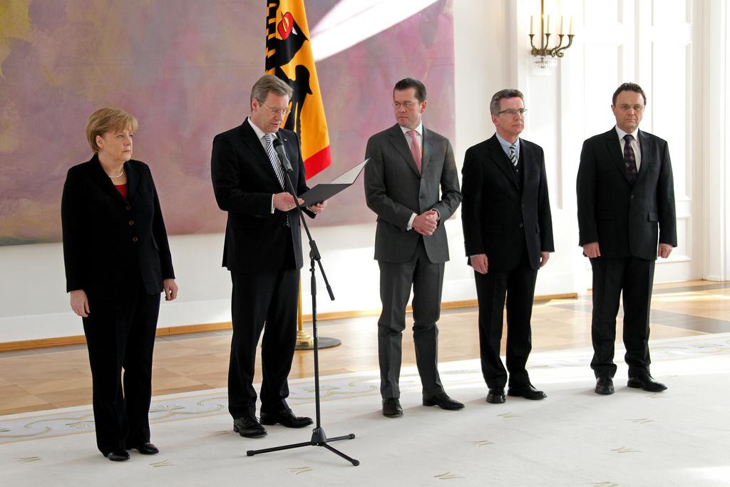 [사진] 독일 대통령이 신임 장관의 임명을 발표하..