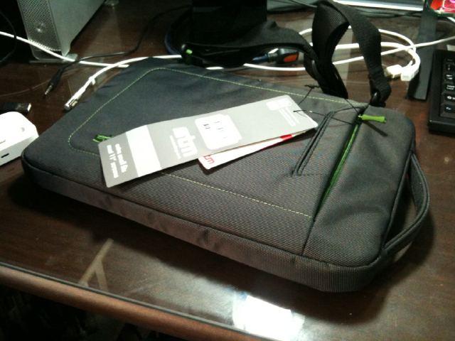 지름 / 맥북에어 11인치용 가방 stm jacket 구입 (X..