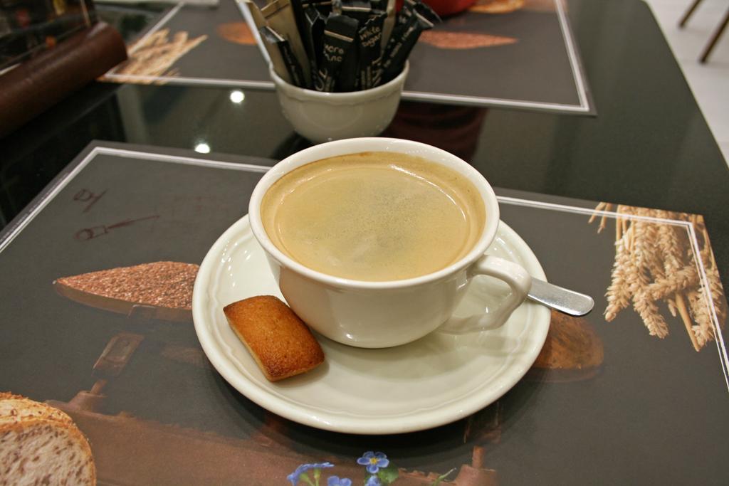 Paul에서 마시는 커피 한잔의 여유