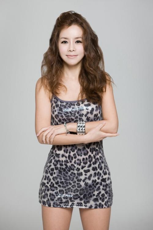 신이 양악수술 확 달라진 최근 얼굴 공개 '누구신지?'