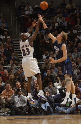 노비츠키-내쉬-액슬-브레들리 vs 마이클 조던(2003)