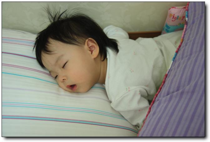 2011-09-24, 아인이는 엎드려 자요!