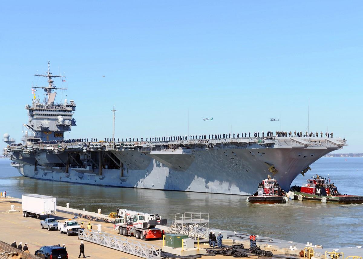 마지막 임무을 위해 출항한 USS 엔터프라이즈