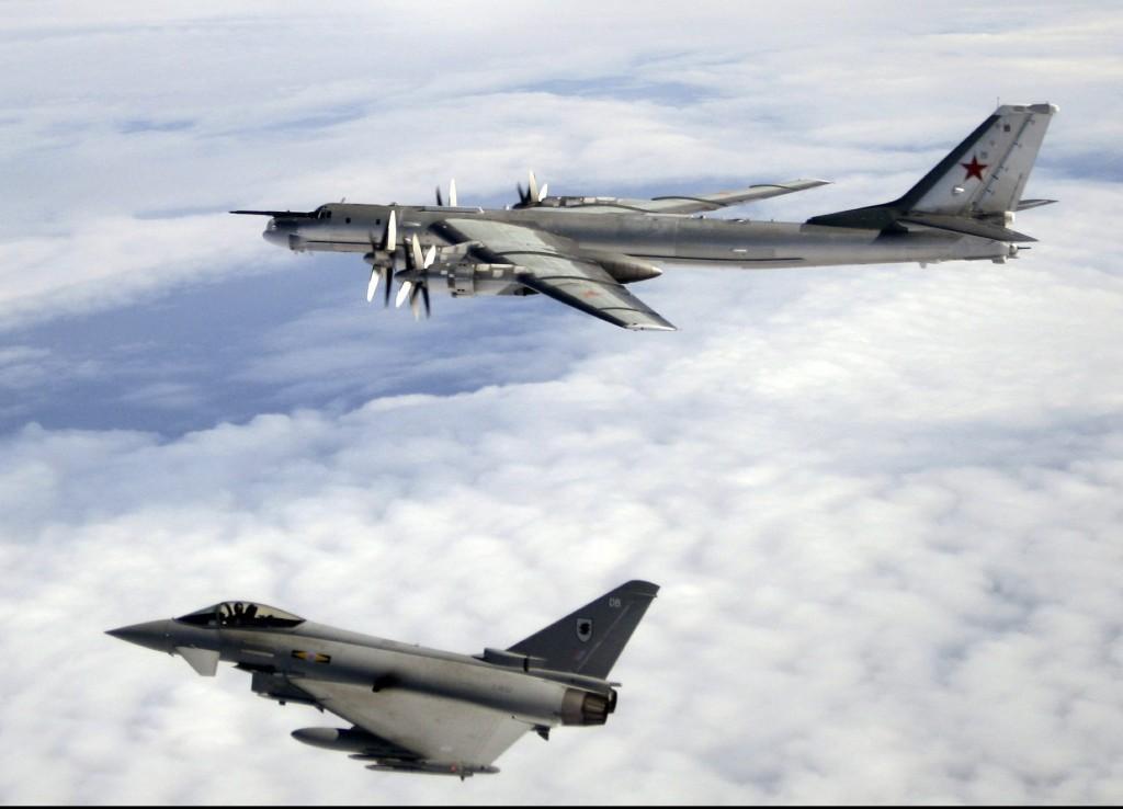 5세대 전략폭격기의 개발 계획을 재확인한 러시아 外