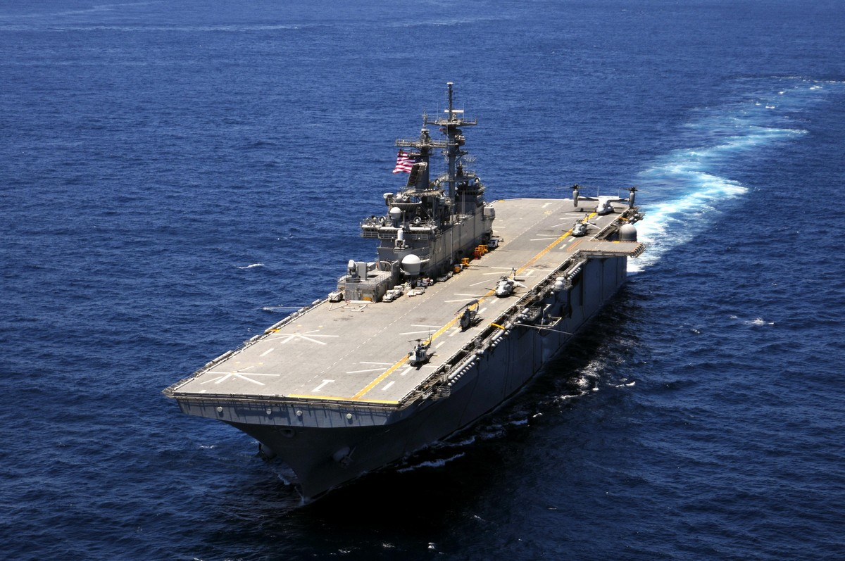 전투 시스템을 개량할 예정인 미 해군의 워스프 상륙함