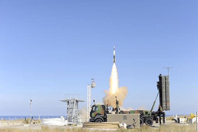 장거리 대공 미사일을 결정하지 못한 터키 정부